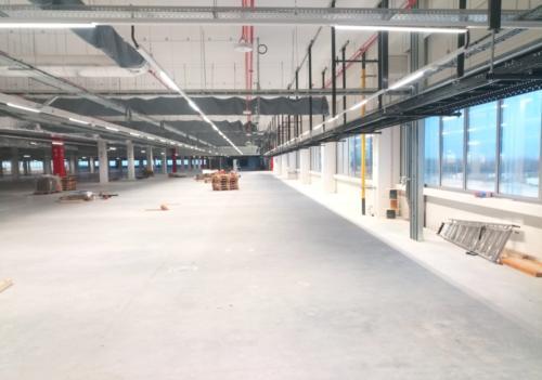 System oświetlenia wewnętrznego hali logistycznej